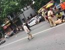 Hà Nội: Thanh niên ngổ ngáo tông gục Cảnh sát giao thông trên phố
