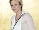 Choáng váng trước vẻ ngoài ngày càng nam tính của Kristen Stewart