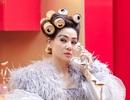 Thu Minh gây sốc với mái tóc cuốn lô bằng vỏ lon đáp trả antifan
