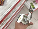 """Người dân tiếp tục khui hàng hóa """"vô tội vạ"""" và trộm cắp khi đến Auchan"""