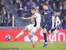 C.Ronaldo nhận giải Bàn thắng đẹp nhất Champions League