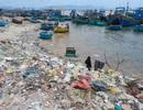 """Triển lãm ảnh đầu tiên về rác thải nhựa """"Hãy cứu biển"""" ở Việt Nam"""
