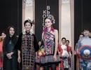 Rực rỡ áo dài Việt Nam, những mẫu thời trang đỉnh cao thu hút công chúng Nga
