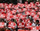 Hong Kong chia rẽ về cách tháo ngòi khủng hoảng