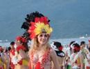 Flashmob bikini khuấy động biển hè Đà Nẵng
