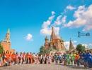 Rạng rỡ áo dài Việt trước cung điện Kremlin