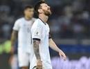 Argentina thi đấu kém cỏi: Có một Messi lạc lõng…