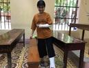 Bị gãy tay và chân, nữ sinh vẫn quyết đi thi THPT quốc gia