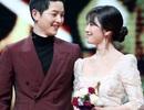 Phản ứng trái ngược của Song Hye Kyo và Song Joong Ki sau tuyên bố ly hôn