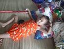 Xót thương bé 5 tuổi quằn quại chống chọi với những cơn đau do bệnh ung thư