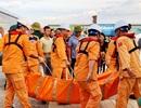 Vụ 9 ngư dân mất tích: Bàn giao 2 thuyền viên, thi thể 1 nạn nhân