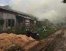 Lò sấy gỗ cháy lớn sau trận mưa đêm