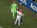 HLV Argentina tức giận khi Messi nhận thẻ đỏ trước Chile