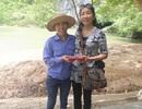 Quảng Bình: Du khách vui mừng nhận lại ví bị rơi