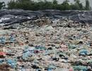 """Cận cảnh những núi rác """"cao hơn ngôi nhà 4 tầng"""" tại TP biển Sầm Sơn"""