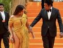 Beyonce diện váy xẻ táo bạo