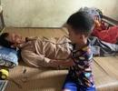 Xót thương cậu bé 6 tuổi cùng ông bà sống nơm nớp trong căn nhà dột nát