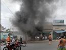 Cháy nổ lớn ở quán cơm, cảnh sát đập tường cứu người