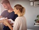 """8 cách để củng cố hôn nhân vững mạnh hơn khi vừa """"lên chức"""" cha mẹ"""