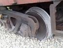 Tàu hàng trật bánh, đường sắt Bắc - Nam tê liệt nhiều giờ