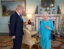 Tân Thủ tướng Anh phá vỡ quy tắc hoàng gia ngay sau khi nhậm chức