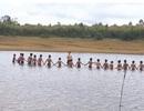 Sinh viên dạy học, dạy bơi miễn phí cho học sinh vùng cao dịp hè