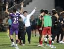 Quang Hải ghi bàn, CLB Hà Nội hòa TPHCM trong trận cầu có 2 thẻ đỏ