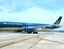 Máy bay hạ cánh khẩn cấp cứu khách nữ bị vỡ túi ngực phẫu thuật thẩm mỹ
