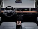 """Honda """"học"""" hãng xe khởi nghiệp Trung Quốc chơi màn hình siêu rộng"""