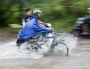Hà Nội: Đại lộ Thăng Long ngập như sông