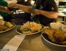 Chuỗi nhà hàng đãi học sinh bữa ăn miễn phí trong ngày nhận kết quả thi