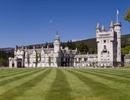 Bên trong Lâu đài Balmoral trị giá 115 triệu bảng nơi Nữ hoàng Anh dành kỳ nghỉ hè của mình