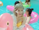 Hari Won gây sốt khi diện bikini