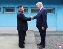 """Ông Trump nhận được thư """"tuyệt vời"""" của ông Kim Jong-un, hé lộ về cuộc gặp thứ 4"""