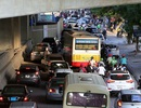 Giao thông chật vật qua những công trường đường trên cao ở Hà Nội