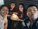 Hoa hậu Tiểu Vy đón sinh nhật tuổi 19 ở... quán ăn lề đường