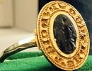 Người đàn ông tìm được chiếc nhẫn vàng cổ trị giá hơn 280 triệu đồng vì đãng trí 30 năm