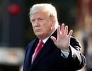 Rộ tin Tổng thống Trump đề xuất ném bom nguyên tử để ngăn bão