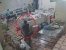 Nghi phạm tạt a xít vào nữ phụ bếp ở Hòa Bình ra đầu thú
