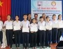 Trao 72 suất học bổng trị giá 1,3 tỷ đồng đến HS, SV nghèo hiếu học ở Phú Yên