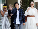 Angelina Jolie đưa ba đứa con đi ăn trưa