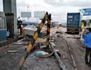 Xe đầu kéo tông sập cabin thu phí đường cao tốc TPHCM - Trung Lương
