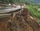 Quốc lộ 9 bị sạt lở nặng do mưa lũ