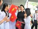 Chủ tịch Quốc hội Nguyễn Thị Kim Ngân dự khai giảng tại ngôi trường đạt chuẩn quốc gia đầu tiên ở miền Tây