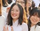 """Nụ cười """"răng khểnh tỏa nắng"""" của nữ sinh 10X trường Ams ngày khai giảng"""