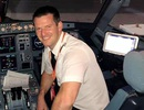 Phi công không tới, hãng hàng không Anh nhờ hành khách lên lái máy bay
