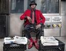 """Người bán báo """"chất"""" nhất New York, đến tín đồ thời trang cũng """"chào thua"""""""