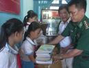 Tủ sách cho học sinh nghèo của người lính quân hàm xanh
