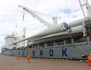 """18 bộ cánh quạt điện gió siêu """"khủng"""" cập Cảng Quy Nhơn"""