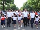 """3000 học sinh lớp 1 xuống đường vận động """"Đội mũ bảo hiểm cho trẻ em"""""""